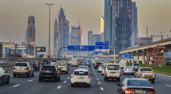 تنظيم المرور في دبي